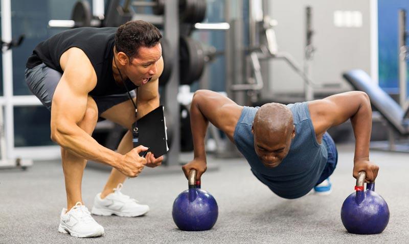 Số set nên tăng dần để từ từ thích nghi và tăng cường sức mạnh cơ bắp.