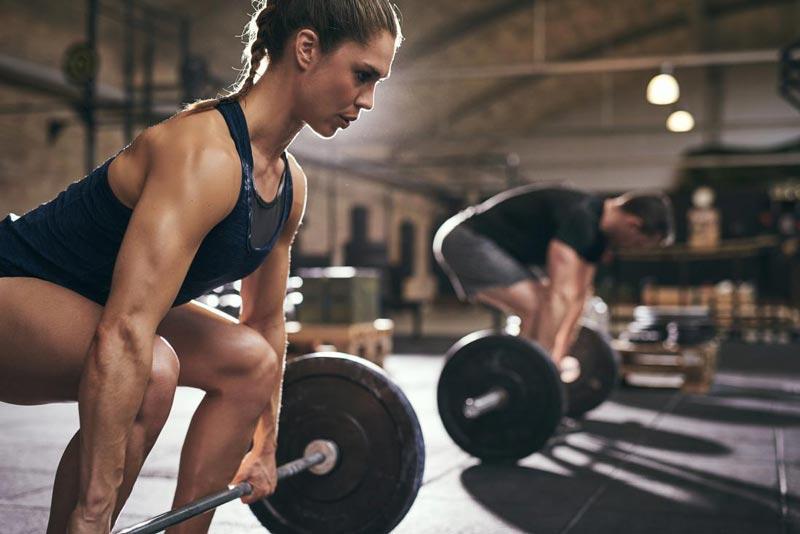 Một lời khuyên cho những người tập thể hình nâng cao là họ nên thay đổi khối lượng tập đều đặn