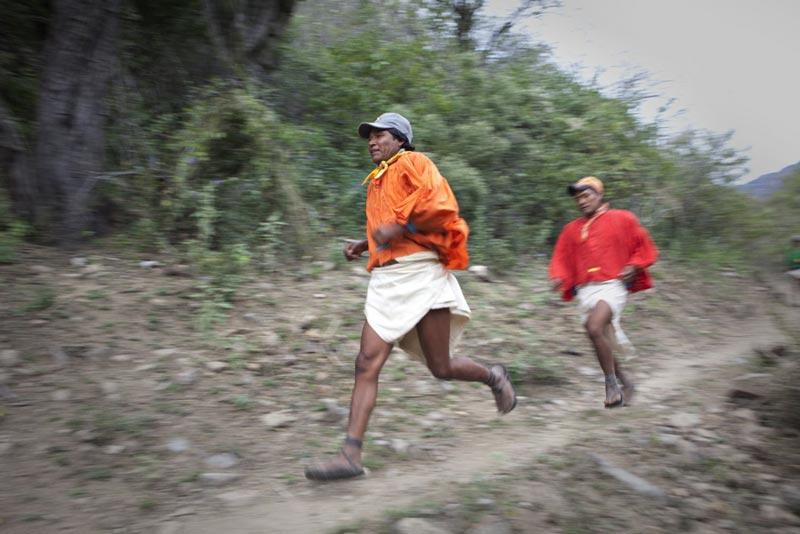 Người-tarahumara-có-khả-năng-chạy-tuyệt-vời