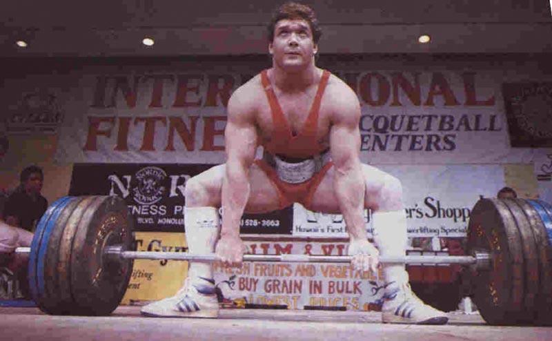 nhà vô địch powerlifting Eddie Coan