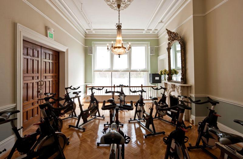 MV Fitness là một phòng tập mang đậm phong cách quý tộc