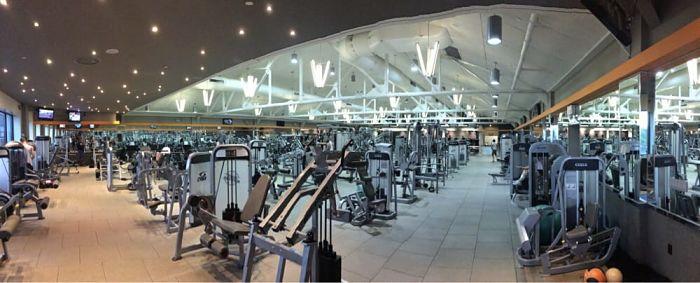 Các phòng gym có cùng tập khách hàng với bạn sẽ là những đối thủ cạnh tranh trực tiếp
