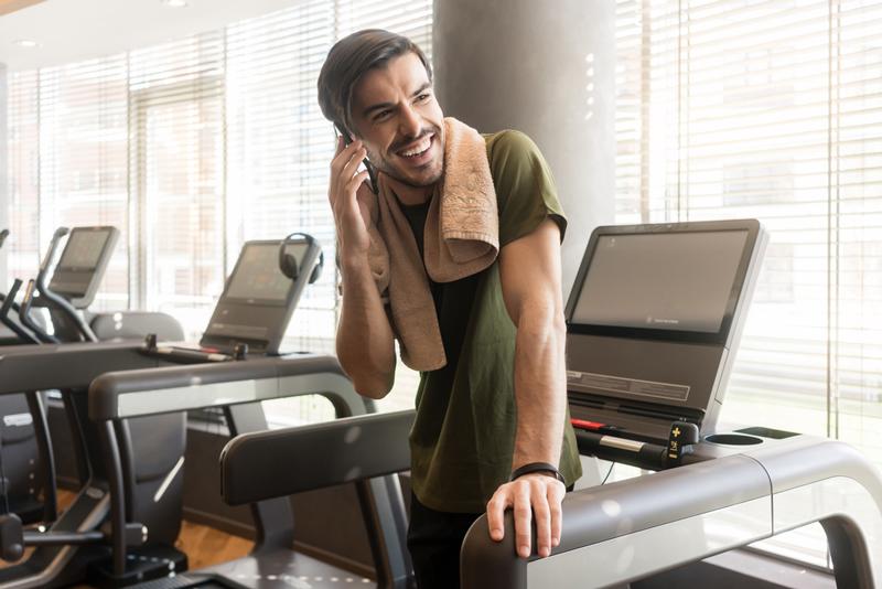 Hãy tìm lại dữ liệu khách hàng và gọi cho những khách hàng cũ của bạn
